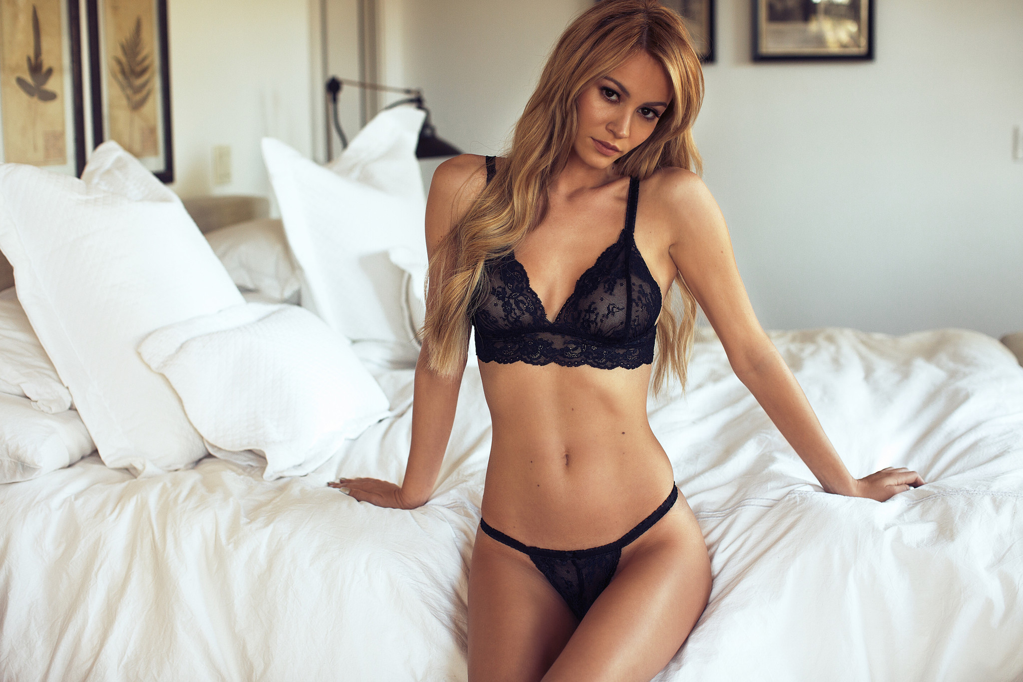 5075cc99509 ... Women Girl Sexy Underwear Strap Lace Embroidery Bra Black Set Panties