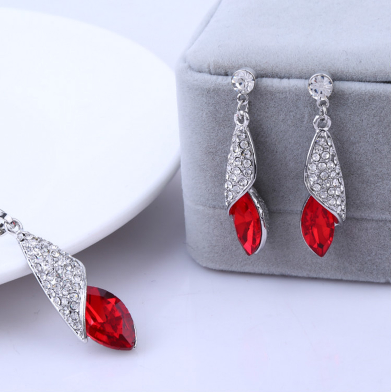 Hot Gold Crystal Rhinestone Teardrop Pendant Necklace Stud Earrings Jewelry Set