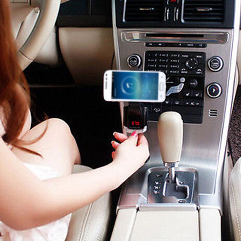 BT-8118 Wireless Bluetooth Handfree FM Radio Adapter MP3 Player Car Holder Tool