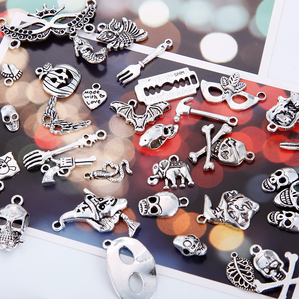 100 Pcs/Set Lots Tibetan Silver Mixed Styles Halloween Skull Charm Pendants DIY Jewelry for Necklace Bracelet
