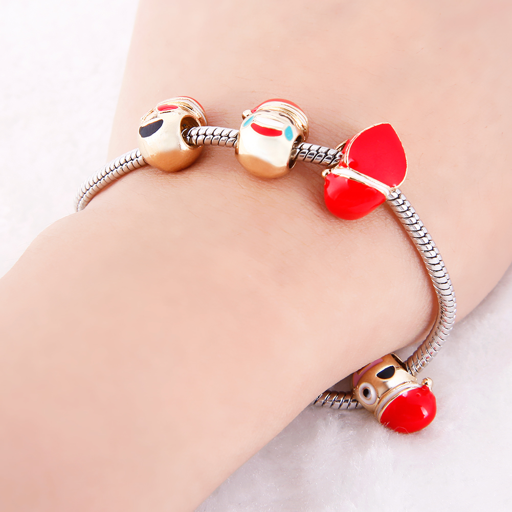 High Quality Women Creative Christmas Hat Face Expression Pendant Bracelet Fashion Silver Lady Jewelry Gift Accessories Hot