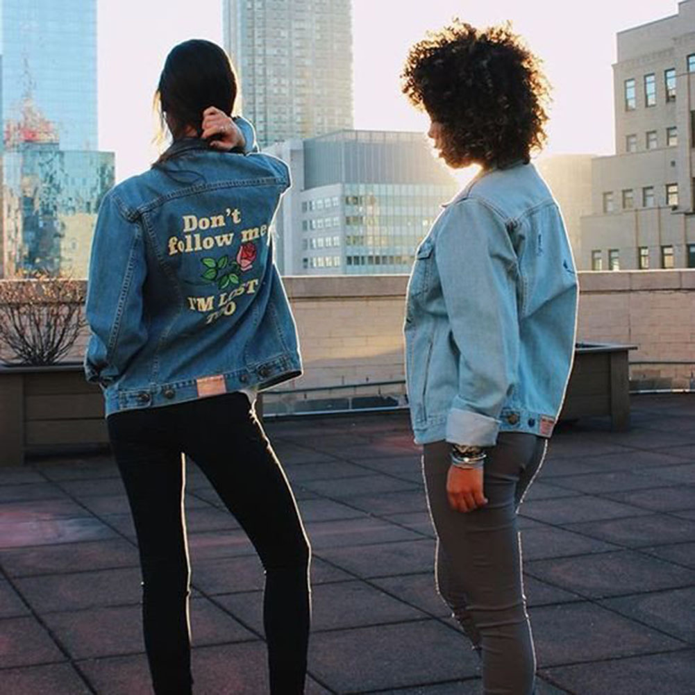 Retro Washing Embroidery Letter Patch Jeans Bomber Jacket Light Blue Ripped Denim Coat Daylook